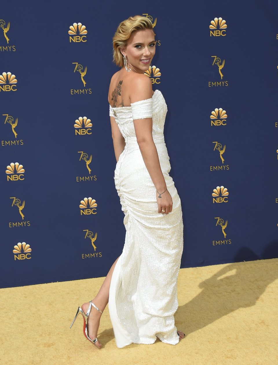Scarlett Johansson at the Emmys 2018 red carpet