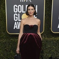 Caitriona Balfe at the Golden Globes 2019 red carpet