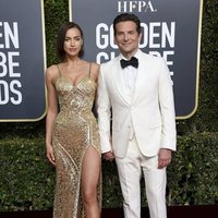 Bradley Cooper and Irina Shayk on the red carpet at the Golden Globes 2019