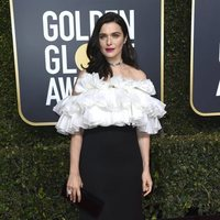 Rachel Weisz at the Golden Globes 2019 red carpet