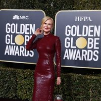 Nicole Kidman at the Golden Globes 2019 red carpet