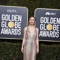 Saoirse Ronan at the Golden Globes 2019 red carpet