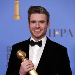 Richard Madden poses with his Golden Globe