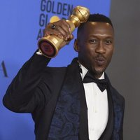 Mahershala Ali poses with his Golden Globe