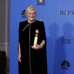 Glenn Close poses with her Golden Globe