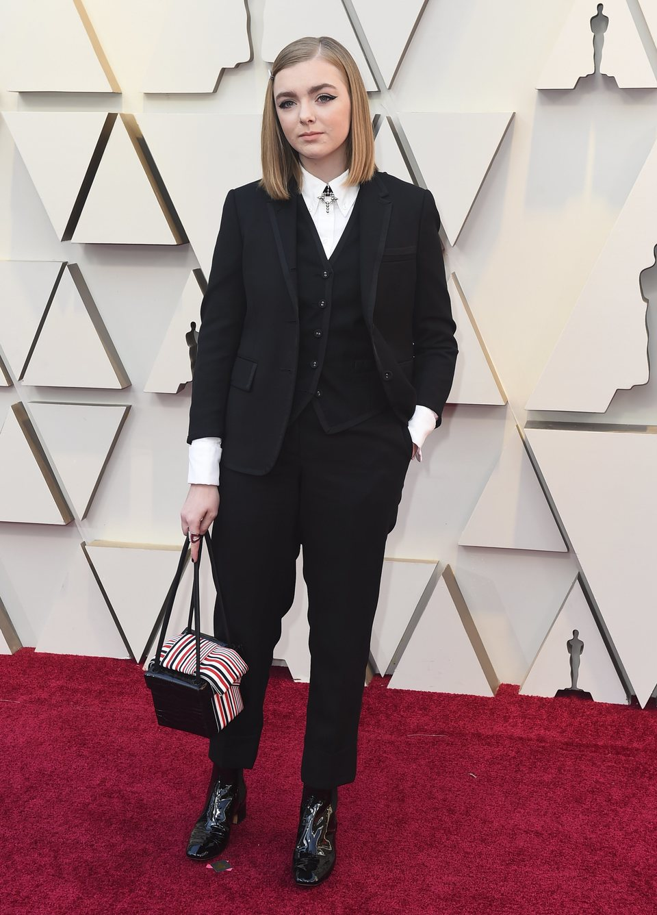 Elsie Fisher at the Oscars 2019 red carpet