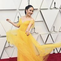 Constance Wu at the Oscars 2019 red carpet