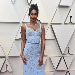 Laura Harrier at the Oscars 2019 red carpet