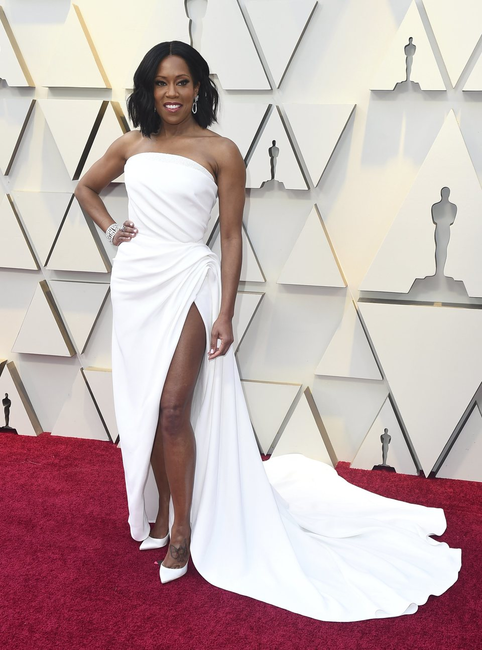 Regina King at the Oscars 2019 red carpet