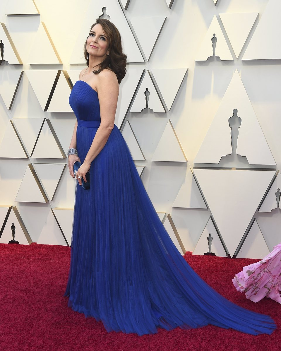 Tina Fey on the red carpet at the 2019 Oscars