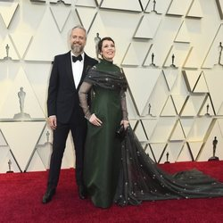Olivia Colman and Ed Sinclair on the red carpet at the Oscars 2019