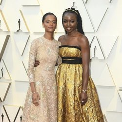 Letitia Wright and Danai Gurira on the red carpet at the Oscars 2019