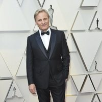 Viggo Mortensen on the red carpet at the Oscars 2019