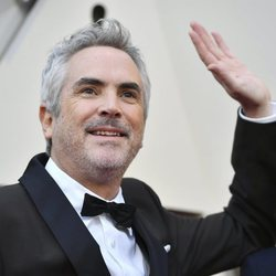 Alfonso Cuarón on the red carpet at the Oscars 2019