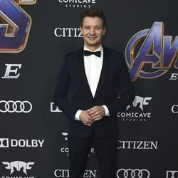 Jeremy Renner on the red carpet of 'Avengers: Endgame'