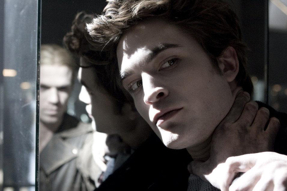 Twilight, fotograma 1 de 34