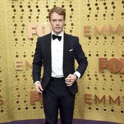 Alfie Allen at the Emmy 2019 red carpet