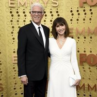 Ted Danson y Mary Steenburgen at the Emmy 2019 red carpet