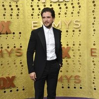 Kit Harrington at the Emmy 2019 red carpet