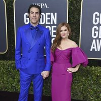 Sacha Baron Cohen and Isla Fisherat the Gloden Globes 2020 red carpet