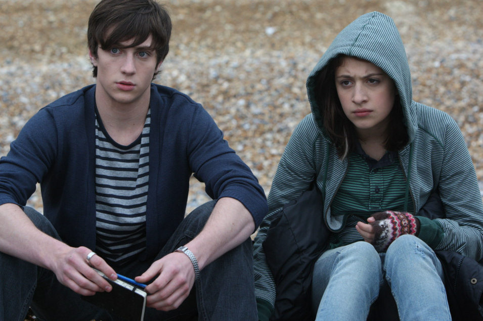 Angus, Thongs and Perfect Snogging, fotograma 3 de 4