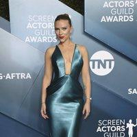 Scarlett Johansson on the red carpet of the SAG Awards 2020
