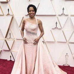 Regina King poses at the red carpet of the 2020 Oscar Awards