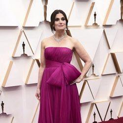 Idina Menzel at the Oscars 2020 red carpet