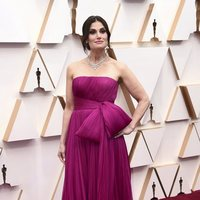 Idina Menzel at the Oscars 2020 red carpet