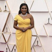 Mindy Kaling at the 2020 Oscar Awards red carpet