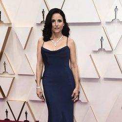Julia Louis-Dreyfus at the Oscar 2020 red carpet
