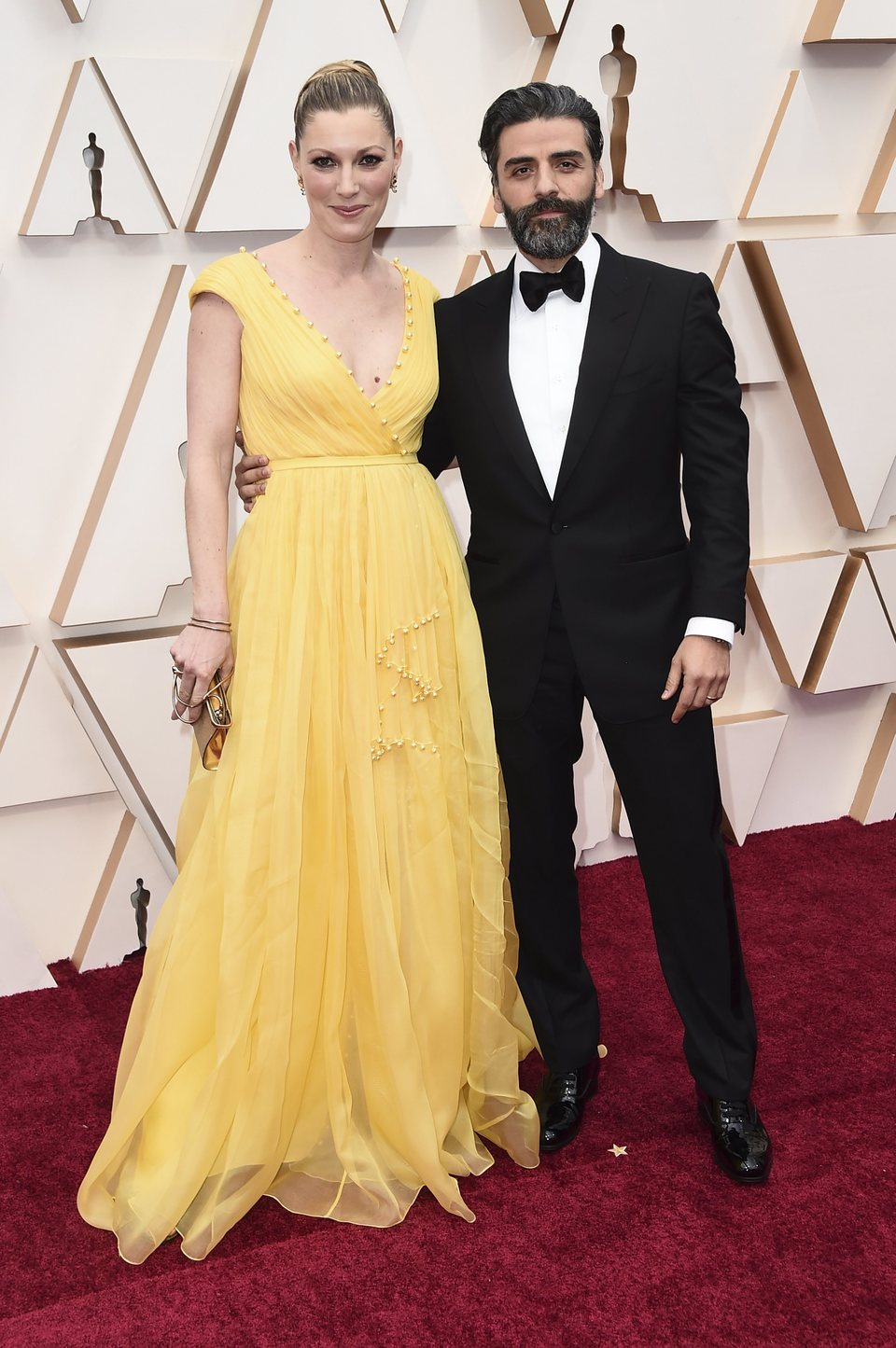 Oscar Isaac on the red carpet at the 2020 Oscar Awards