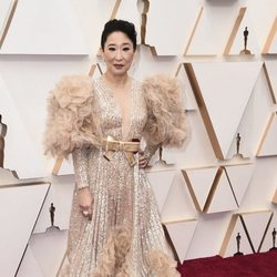 Sandra Oh at the Oscar 2020 red carpet