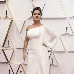 Salma Hayek at the Oscar 2020 red carpet