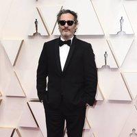 Joaquin Phoenix on the red carpet at the 2020 Oscar Awards