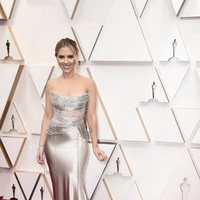 Scarlett Johansson at the Oscar 2020 red carpet