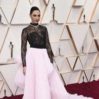 Gal Gadot at the Oscar 2020 red carpet