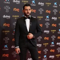 Antonio Velázquez at the red carpet of the 35th edition of the Goya Awards