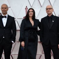 Jesse Collins, Stacy Sher, Steven Soderbergh at the Oscars 2021 red carpet