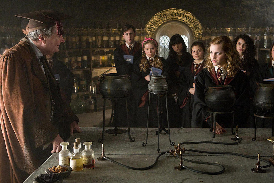 Harry Potter and the Half-Blood Prince, fotograma 2 de 77