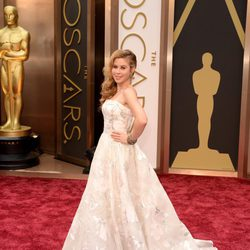 Tara Lipinski on the red carpet at the 2014 Oscars