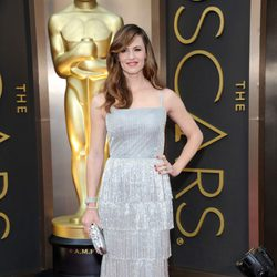 Jennifer Garner on the red carpet at the 2014 Oscars