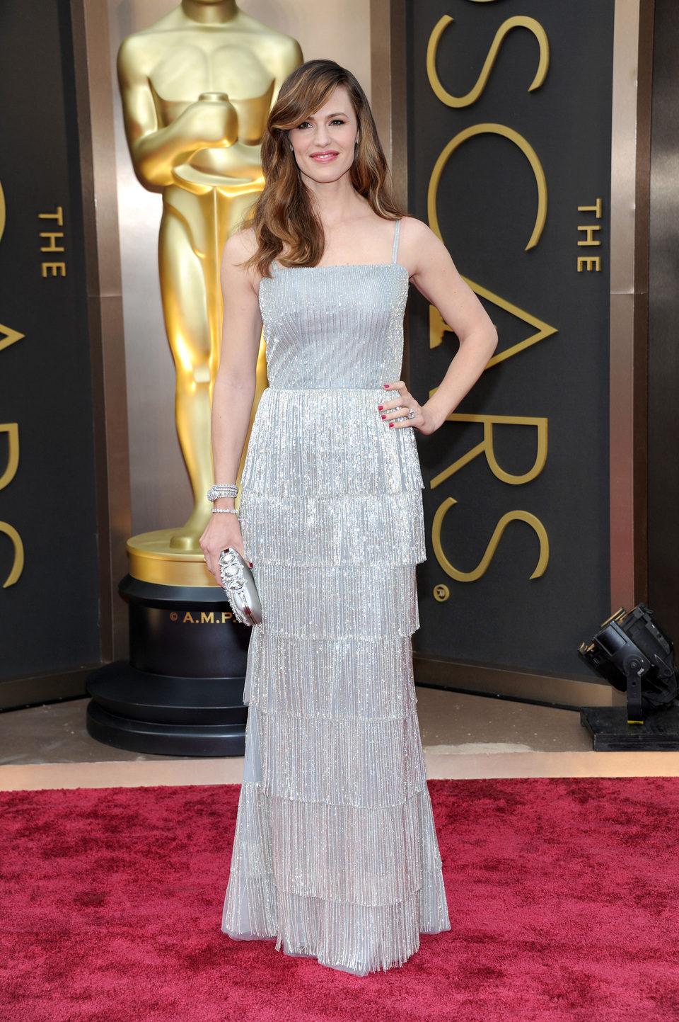 Jennifer Garner on the red carpet at the 2014 Oscars