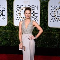 Kate Beckinsale at the Golden Globes 2015 red carpet
