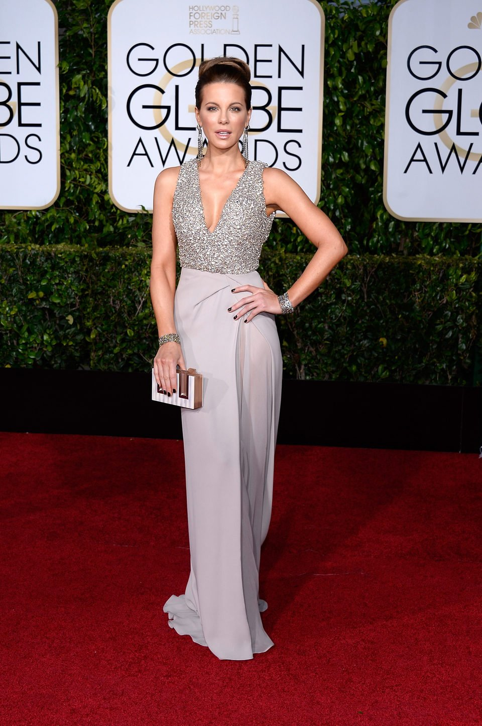 Kate Beckinsale at the Golden Globes 2015 red carpet