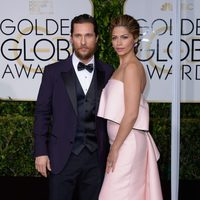 Matthew McConaughey and Camila Alves at the Golden Globes 2015 red carpet