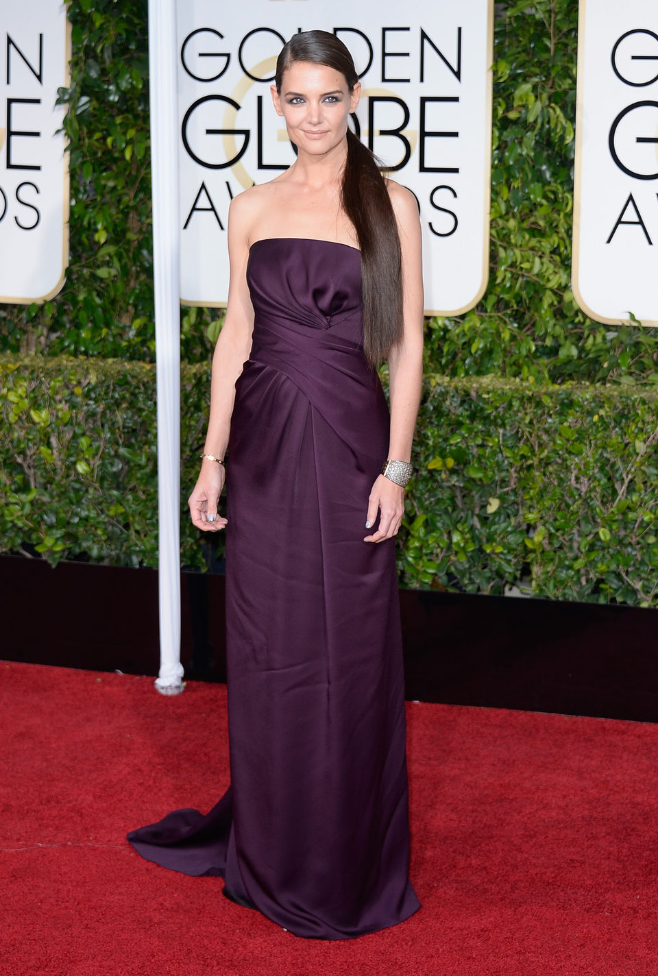 Katie Holmes at the Golden Globes 2015 red carpet