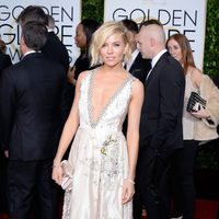 Sienna Miller at the Golden Globes 2015 red carpet