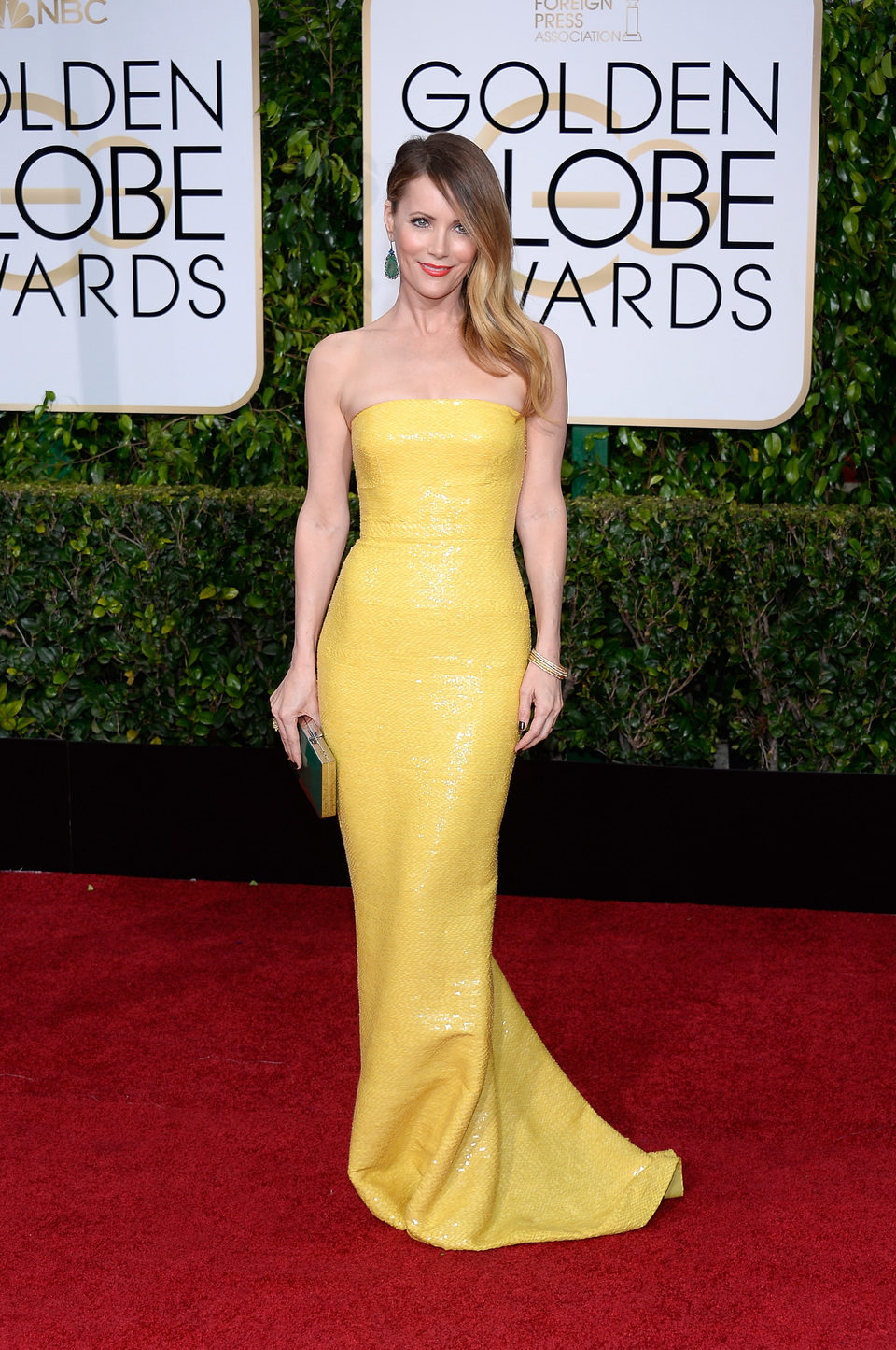 Leslie Mann at the Golden Globes 2015 red carpet