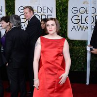 Lena Dunham at the Golden Globes 2015 red carpet